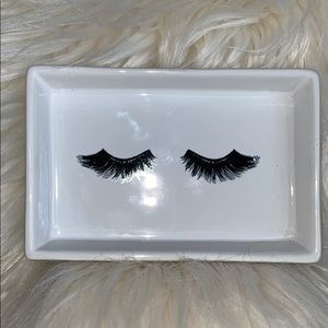 Eyelash Jewelry Trinket Dish NWOT